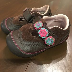 Stride rite size 4w first walkers shoes